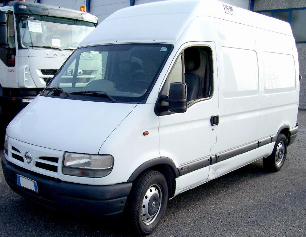 2002_nissan_interstar